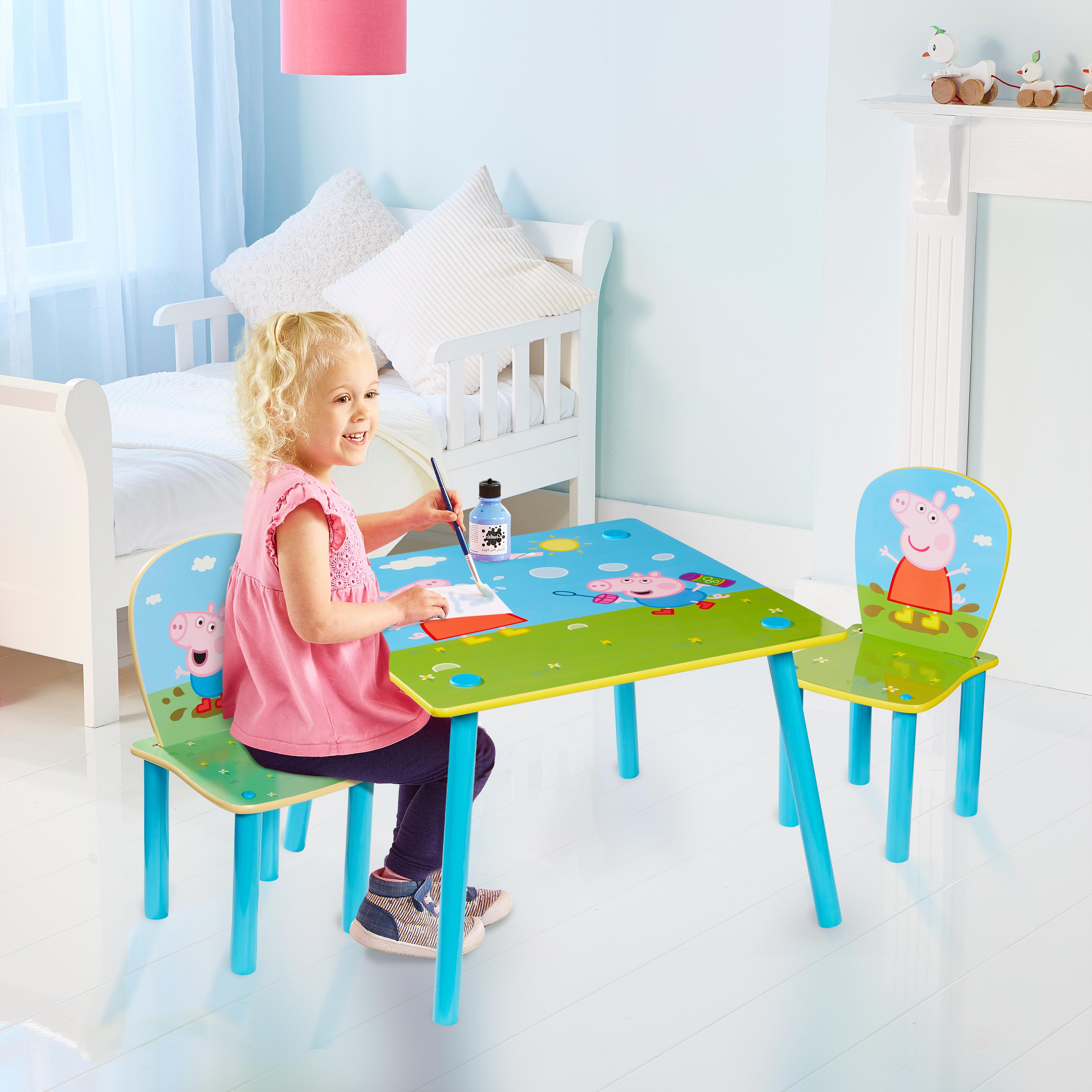Dětský stůl s židlemi Prasátko Peppa